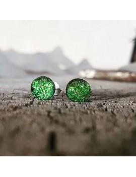 Puces d'oreilles Vert Clair artisanales en verre